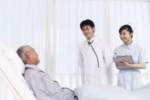医療費窓口負担が2割に、その背景は。